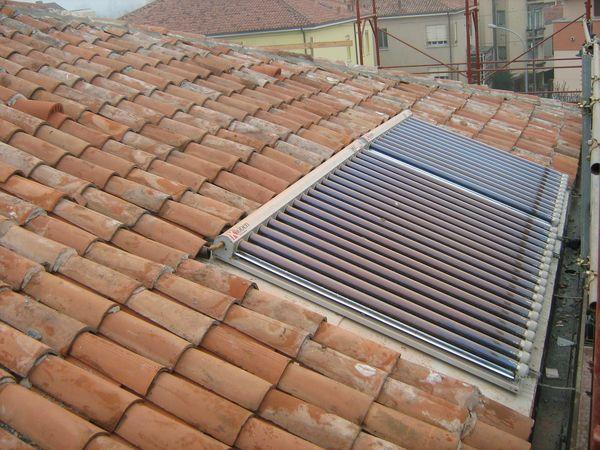 Pannelli solari termici solare termico acqua system for Pannelli solari immagini